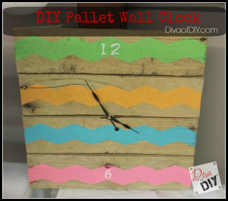 DIY Pallet Wall Clock