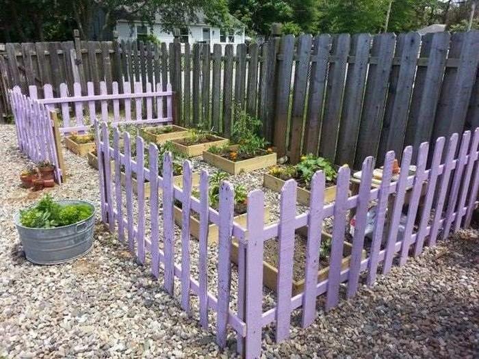 Herb Garden Wooden Pallet Fence
