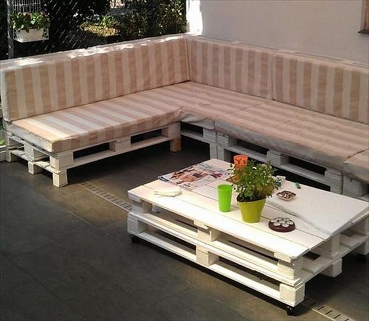 Pallet Corner Sofa