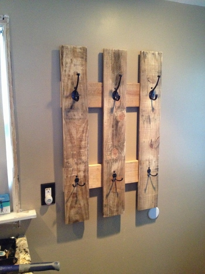 Pallet Towel Hanging for Bathroom
