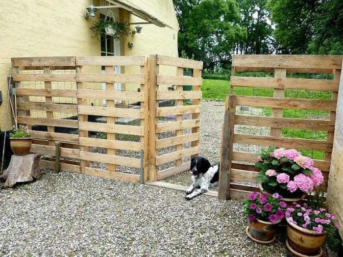 Pallet Wood Fence