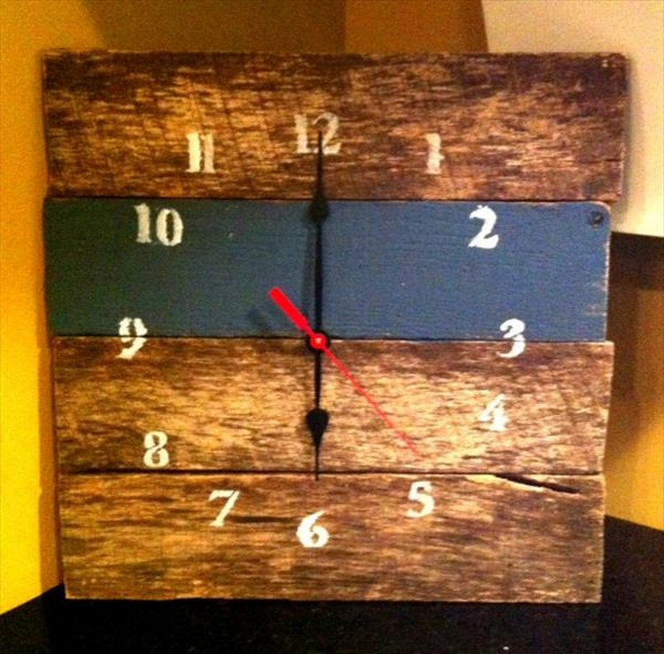 Pallet Wood Wall Clock