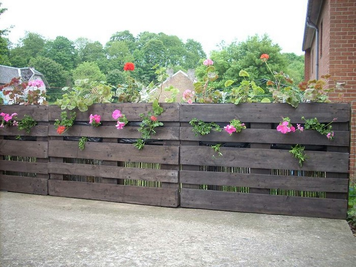 Wooden pallet fence plans pallet wood projects for Wood pallet privacy walls