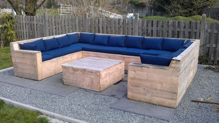 Pallet wood outdoor furniture plans pallet wood projects - Banquette en palette de bois ...