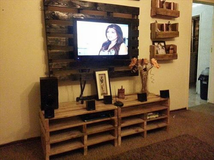 Tv Stand Woodworking Designs : Recycled pallet tv stand plans wood projects