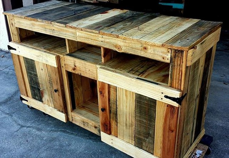 ... Table With Metal Legs additionally Pallet Bedside Table Idea. on round