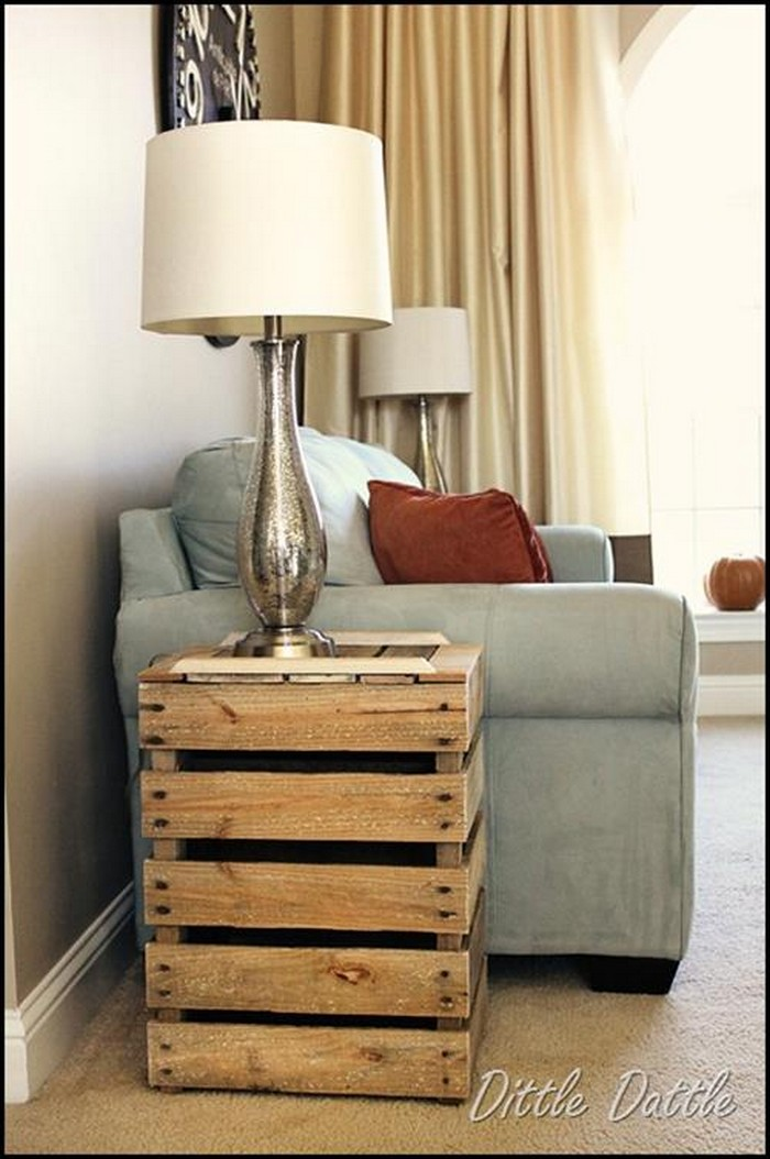 Diy pallet wood side table plans pallet wood projects for Pallet ideas