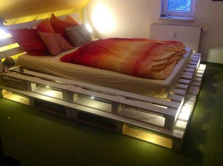 White Pallet Bed with Lights