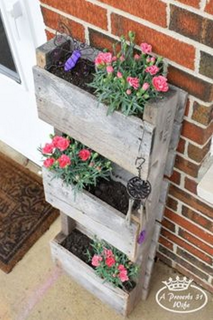 Recycled pallet wood planters pallet wood projects Pallet ideas