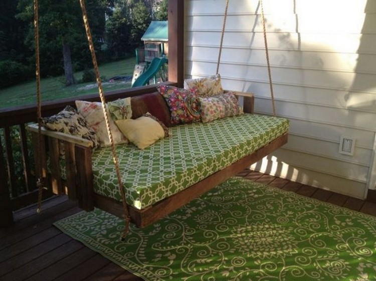 Wood Pallet Swing Bed