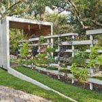 Modern Garden Fence from Pallets