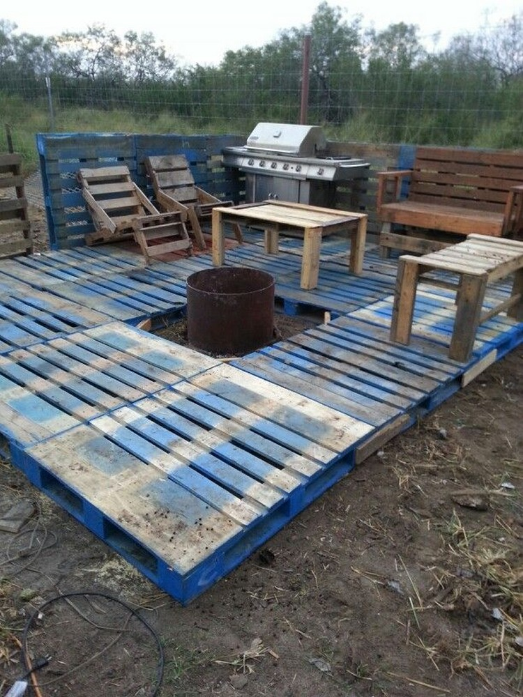 DIY Pallet Patio Decks With Furniture Wood Projects