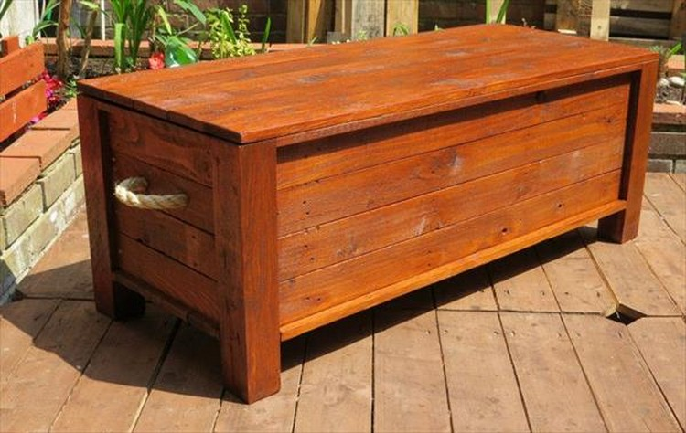 Pallet Chest with Handles