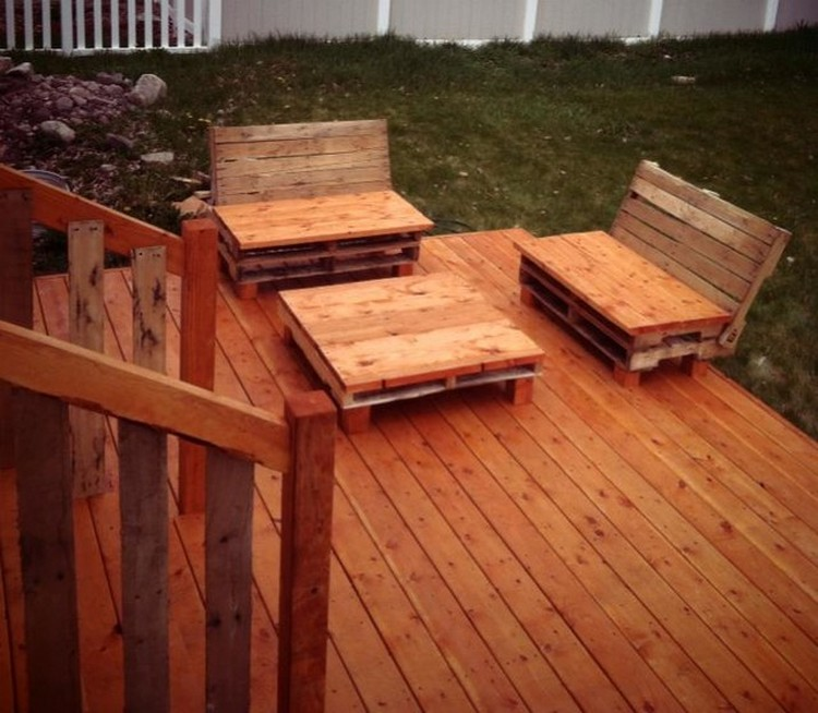 Diy pallet patio decks with furniture pallet wood projects for How do you build a deck yourself