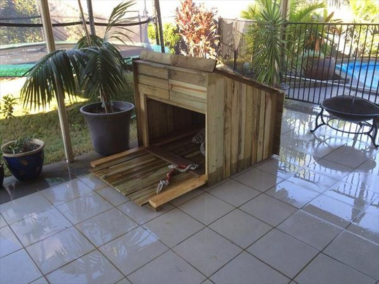 Wooden pallet dog house plans pallet wood projects - How to build a dog house with pallets ...