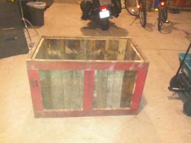 Pallet Storage Box Idea