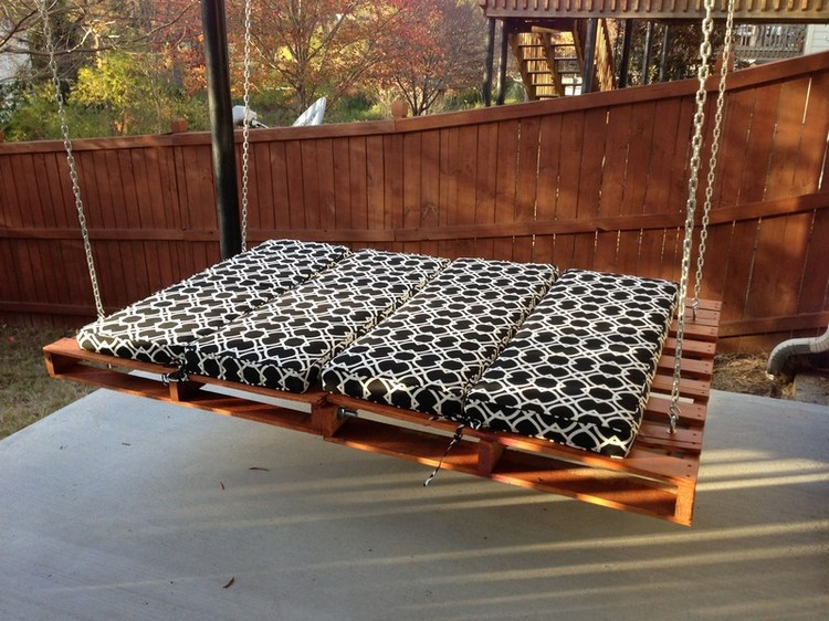 Pallet Swing Bed Plans