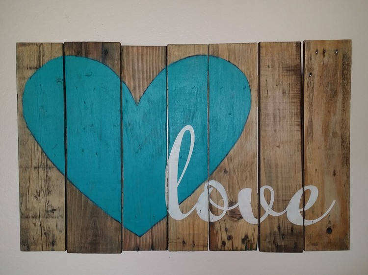 Pallet Wood Love Sign Board