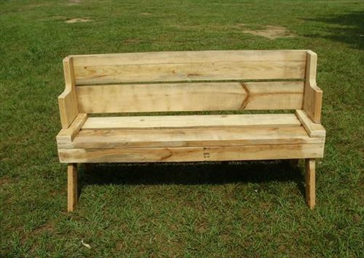 Pallet Wood Outdoor Bench