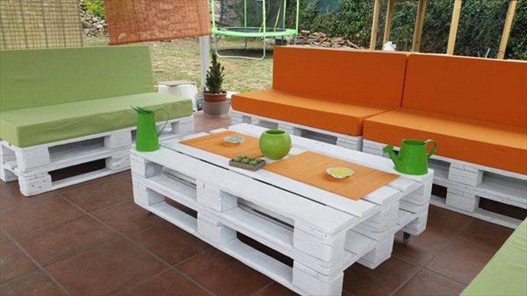 Pallet Wood Patio Sofa