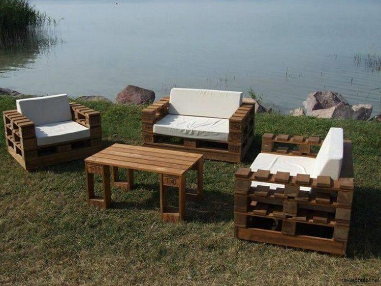 Unique Pallet Gardemn Furniture