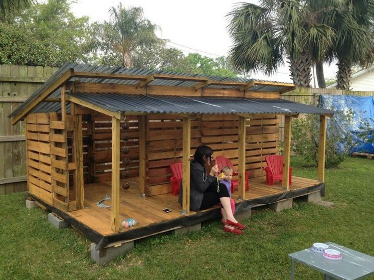DIY Pallet Playhouse as well Cool Easy Things To Make Out Of Wood ...