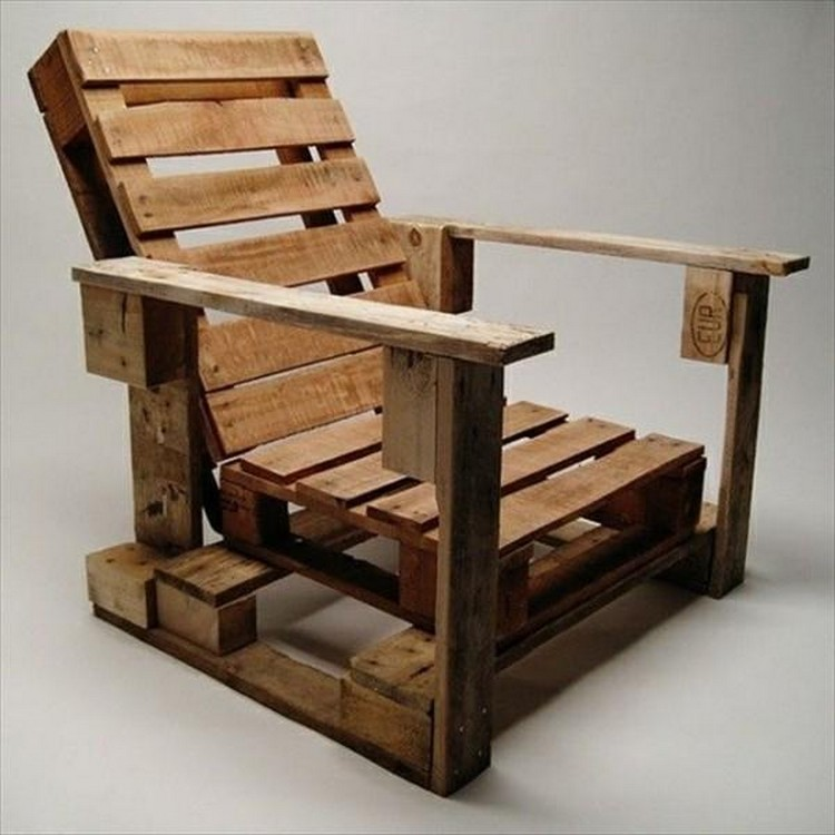 Wooden Pallet Lounge Chair