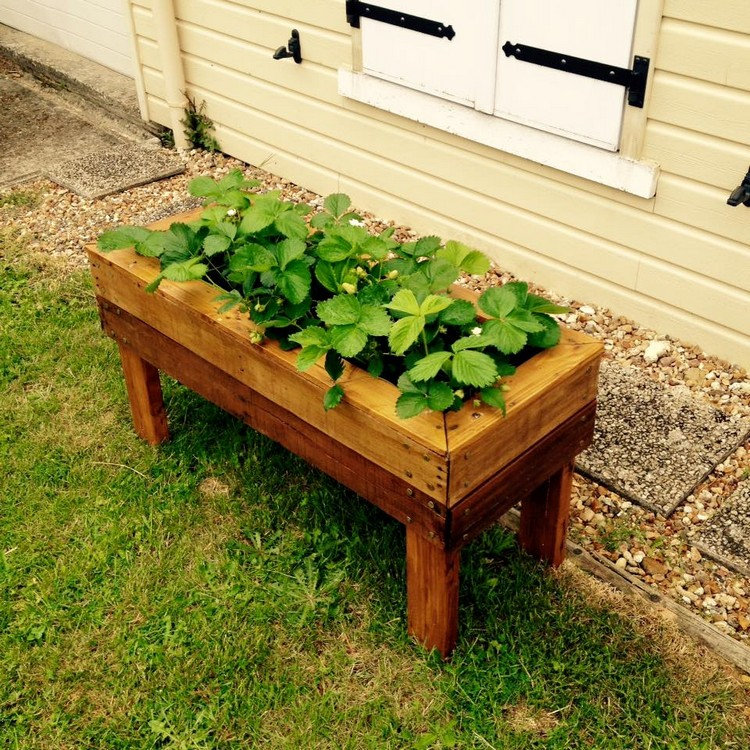 Awesome Pallet Planter Box