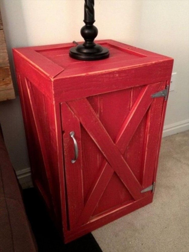 Pallet wood nightstand ideas pallet wood projects for Pallet end table