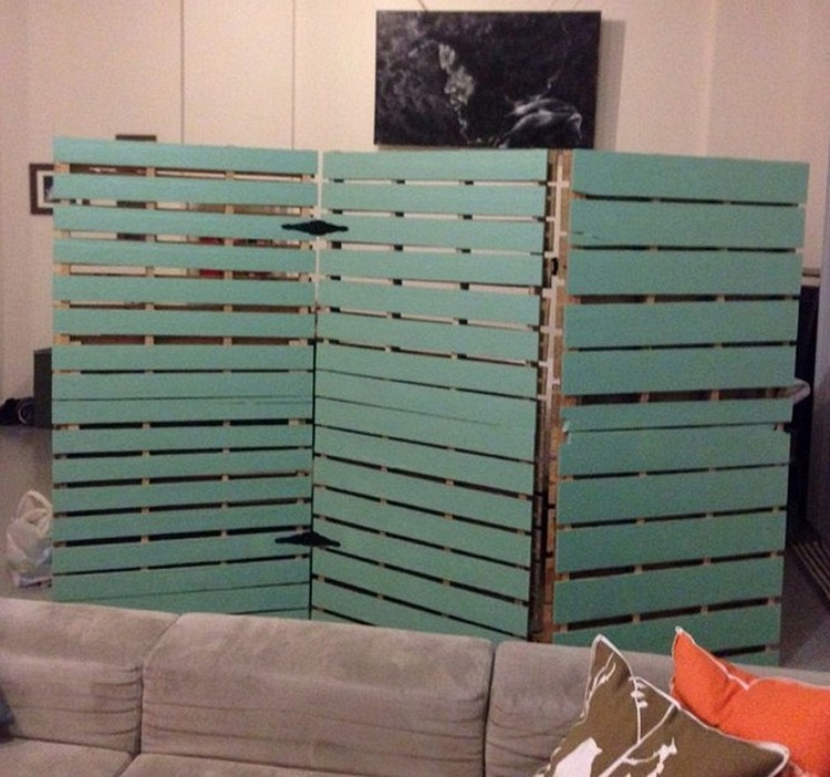 Diy pallet room divider ideas pallet wood projects - Temporary room dividers diy ...