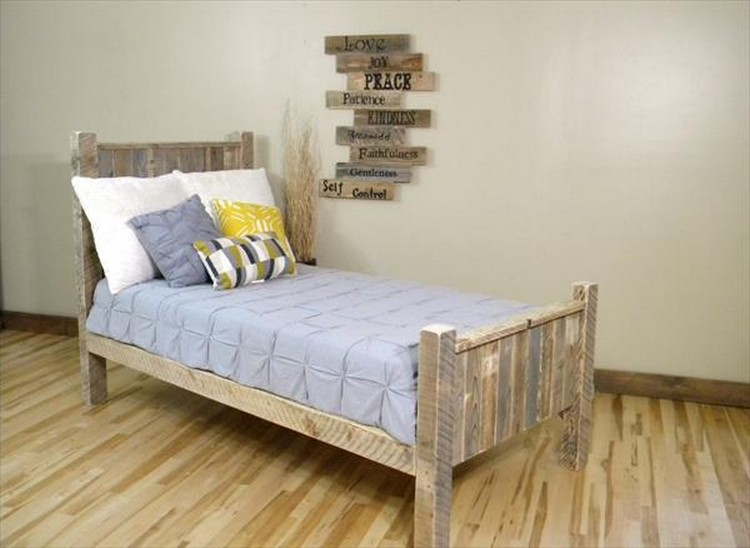 Kids Bed from Pallets