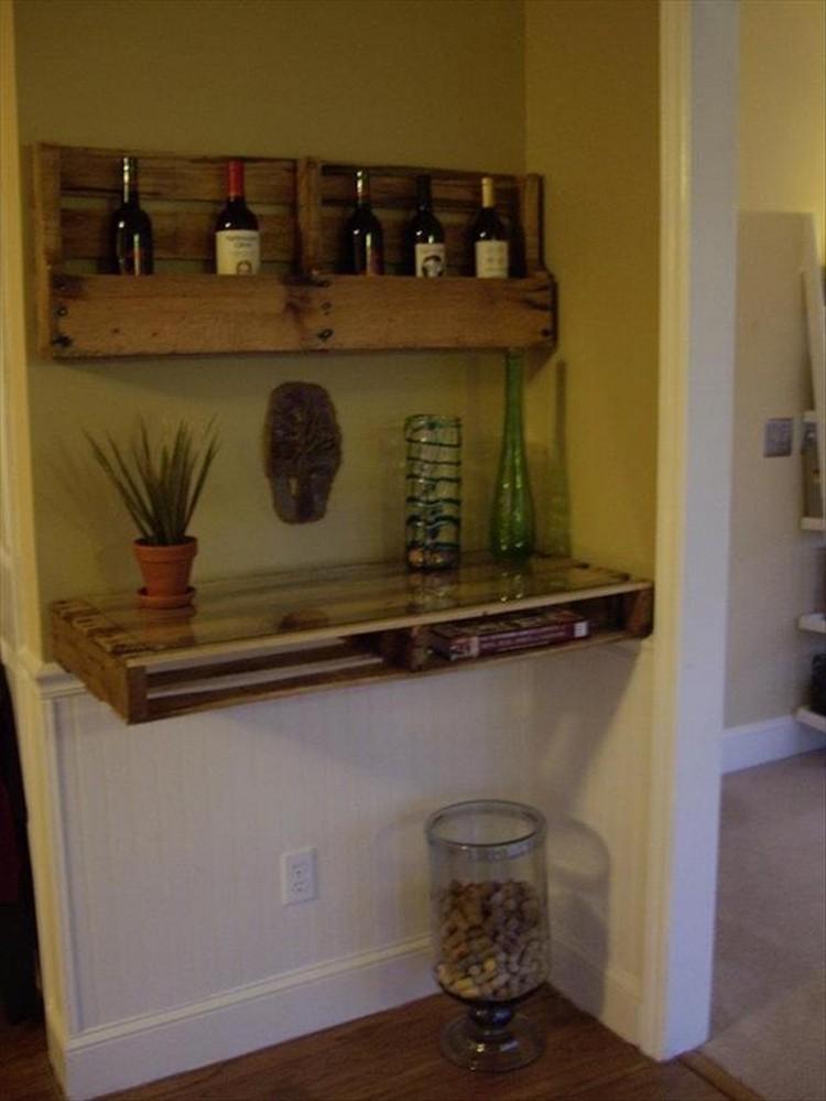 Pallet Desk & Wine Rack