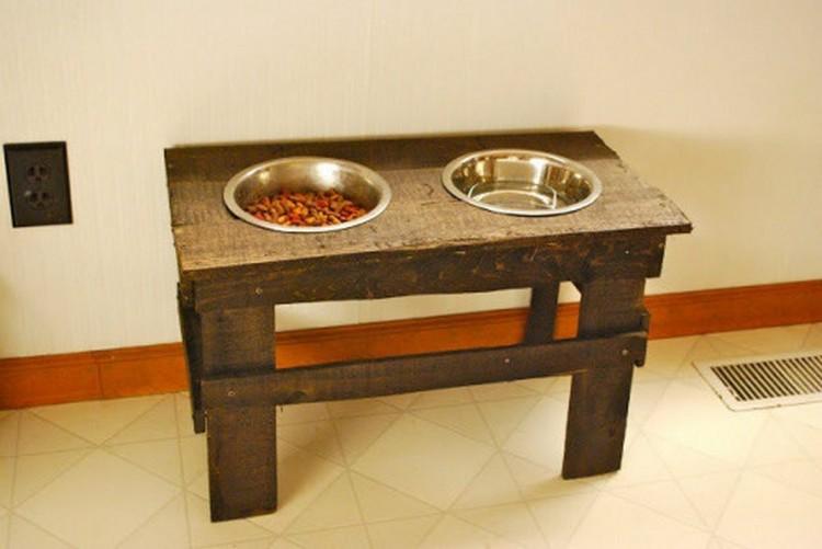 Pallet Dog Feeder