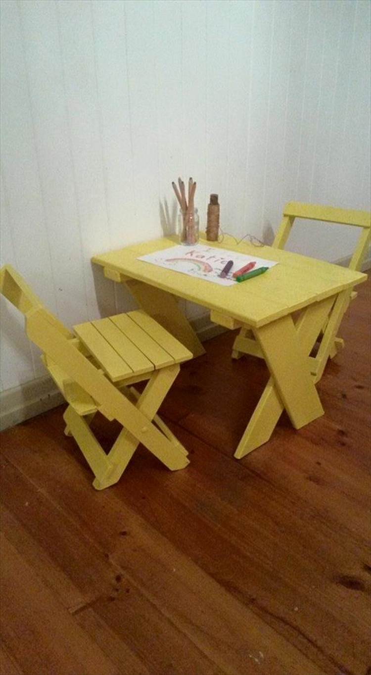 Pallet Folding Chairs for Kids