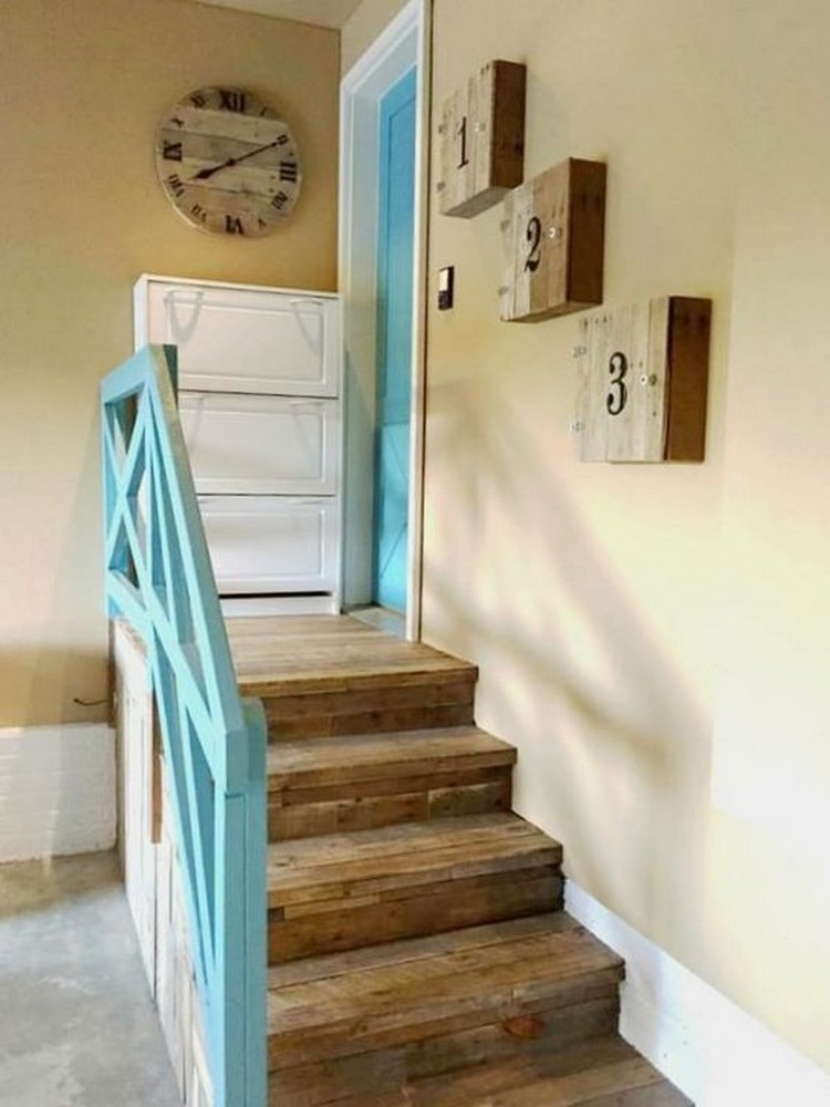 Pallet Garage Stairs