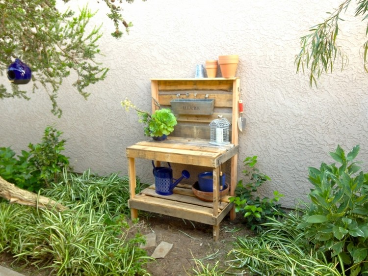 Pallet Garden Potting Bench