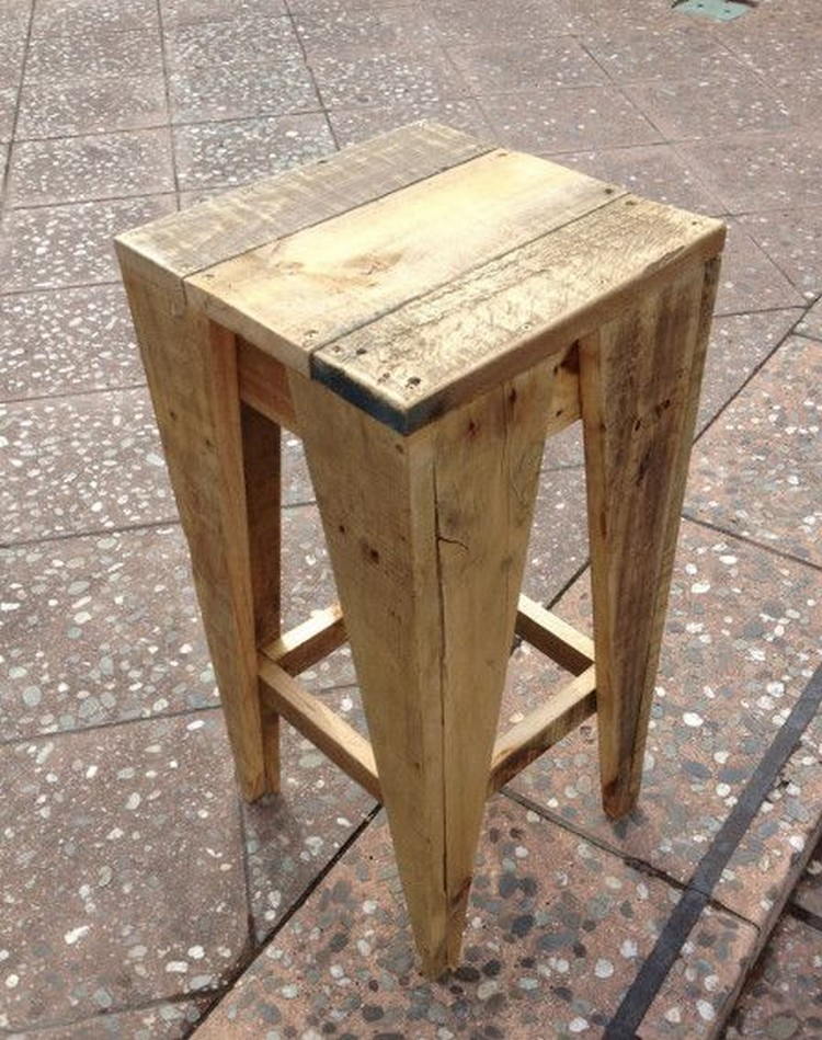 Wooden Furniture Stools ~ Wooden pallet stool plans wood projects