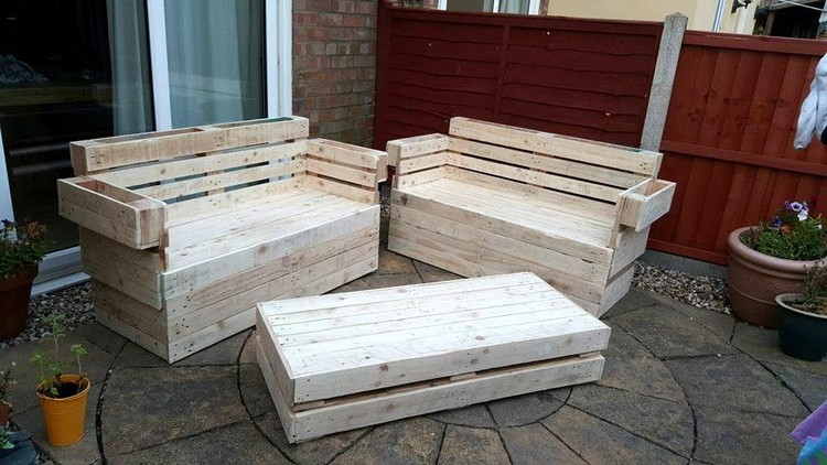 Outdoor Furniture From Pallet Wood Projects