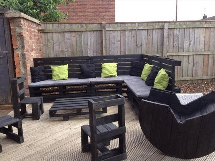 Outdoor furniture from pallet wood pallet wood projects - Sofas palets exterior ...