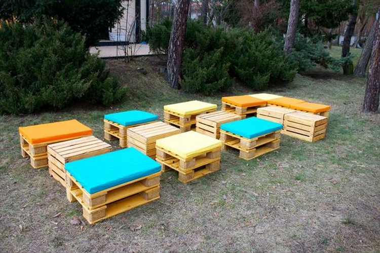 Outdoor furniture from pallet wood pallet wood projects for Patio furniture designs plans