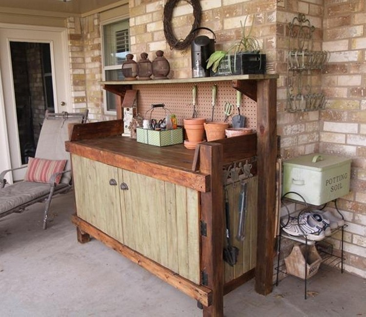 Pallet Potting Bench Projects