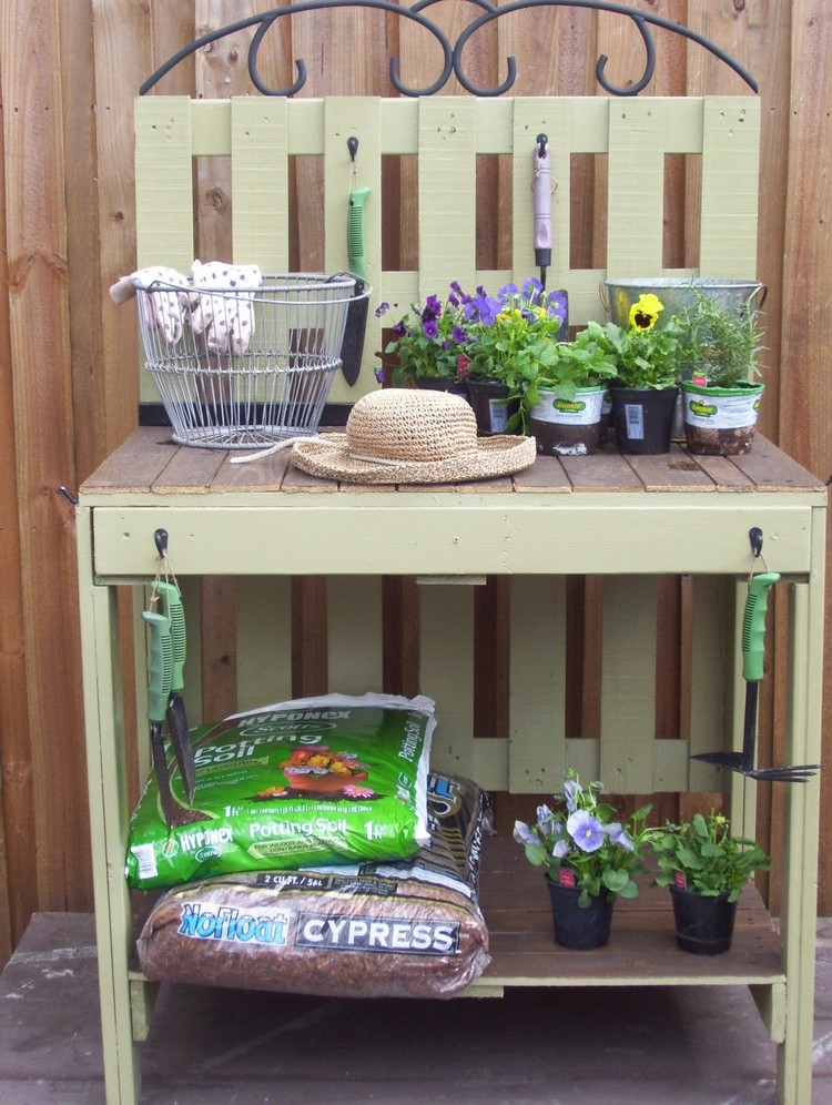 Pallet Potting Table Bench