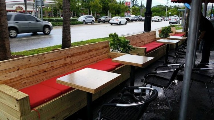 Pallet Made Restaurant Furniture | Pallet Wood Projects