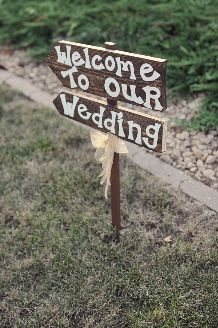 Pallet Sign 'Welcome To Our Wedding'