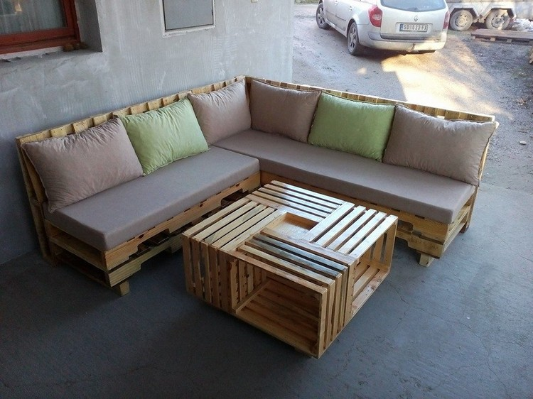 Top 12 unique pallet sofa ideas pallet wood projects for Canape angle palette