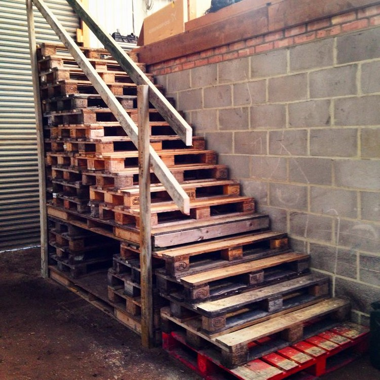 Pallet Wood Stair Designs Projects