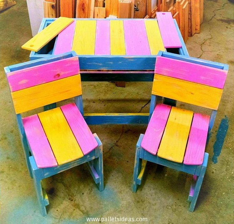 Pallet Table and Chairs for Kids
