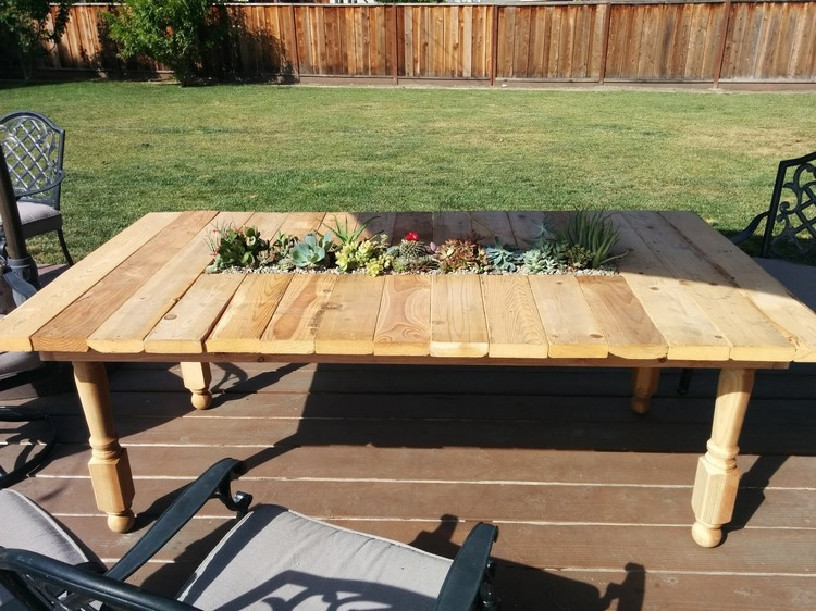 Wooden Pallet Table With Planter Pallet Table With Planter ...