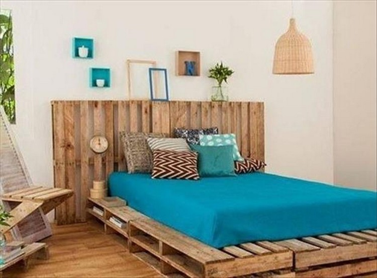 Pallet Wood Bed with Headboard