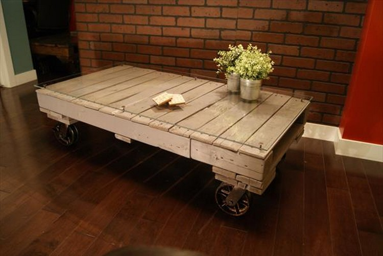 Pallet Wood Coffee Table on Wheels